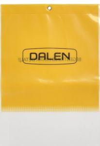 Almindelig pose i meget kraftig Polyethylen (PE) 0,15 mm tyk, med åben bund, 2 farvers tryk og rørnitte i toppen af posen til ophæng.